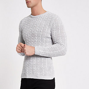 Grauer Muscle Fit Strickpullover mit Zopfmuster
