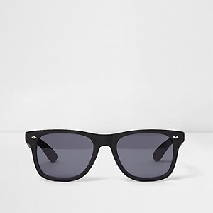 Black rubberised smoke lens retro sunglasses
