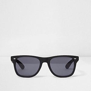 Black rubberised smoke lens retro sunglasses