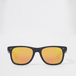 Black rubber red mirror lens retro sunglasses