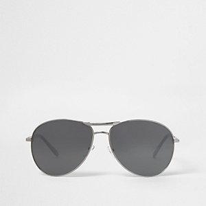 Zilverkleurige pilotenzonnebril met spiegelglazen