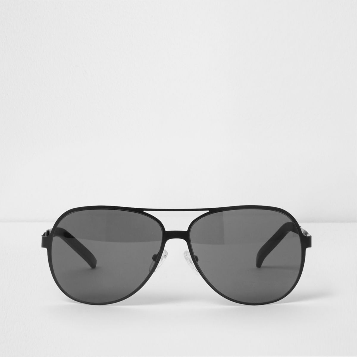 Zwarte pilotenzonnebril met getinte glazen