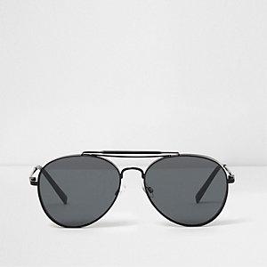 Lunettes de soleil aviateur ovales noires à verres fumés