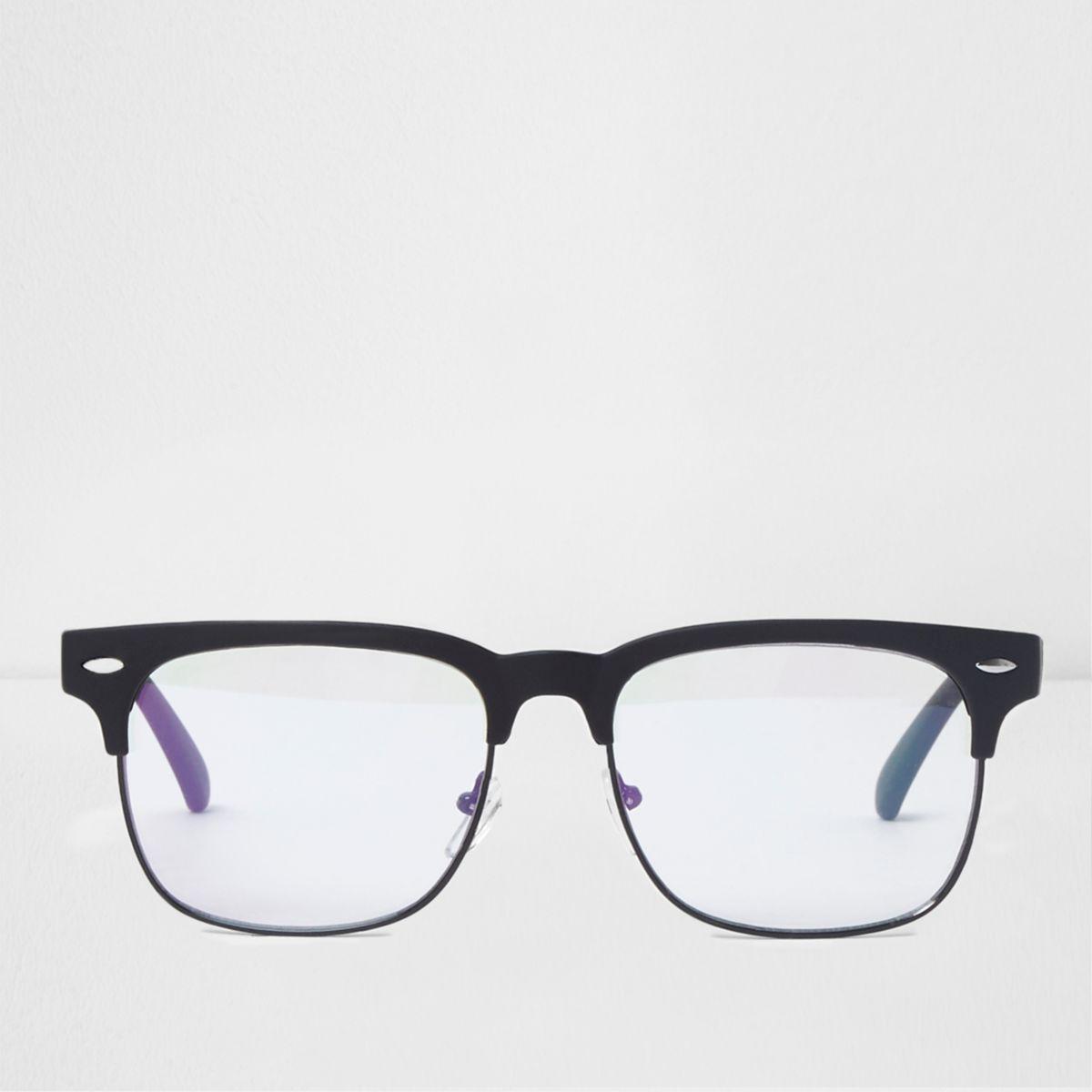 Schwarze Retro-Brille mit transparenten Gläsern