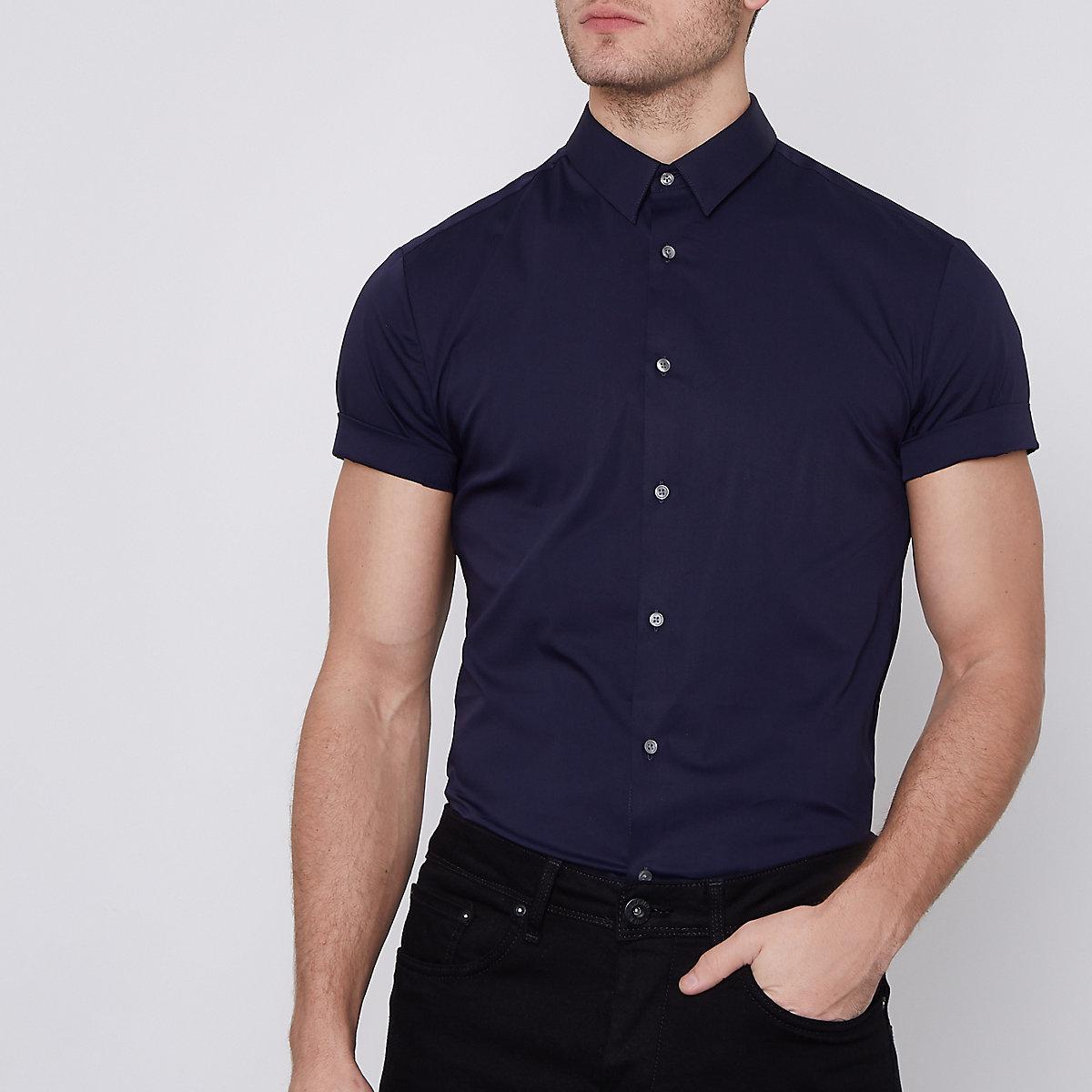 Navy poplin muscle fit short sleeve shirt