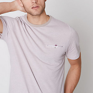 T-shirt slim en maille point de Rome grège à poche boutonnée