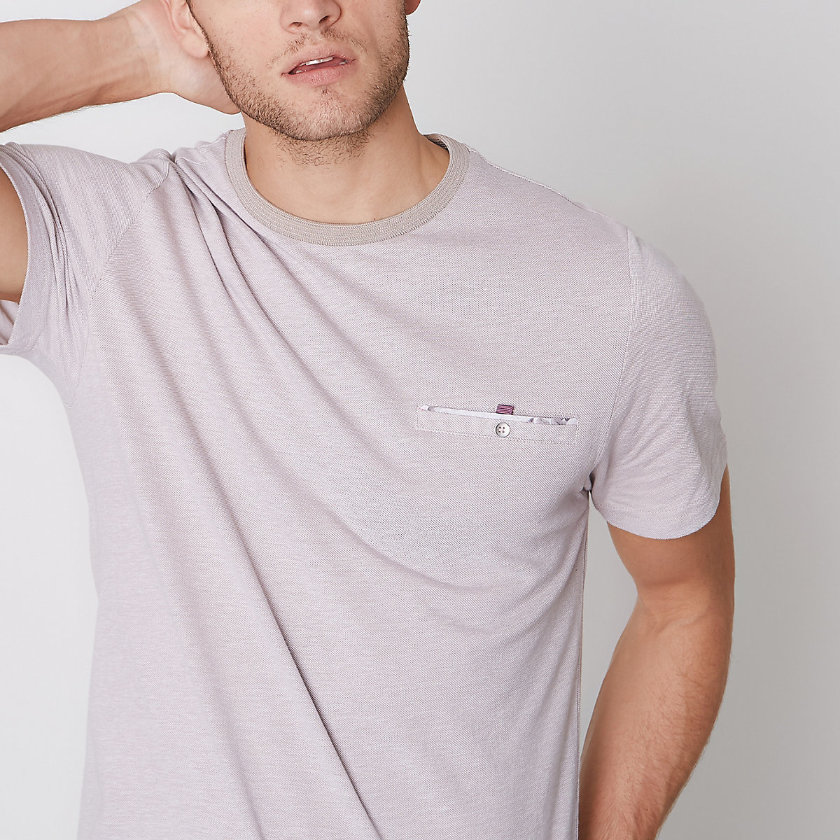 Stone button pocket slim fit pique T-shirt
