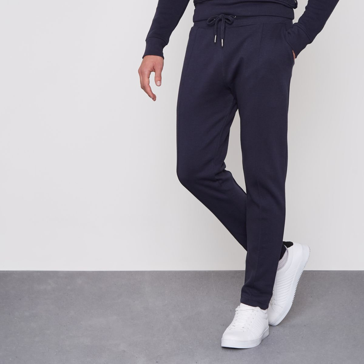 Navy muscle fit pique joggers