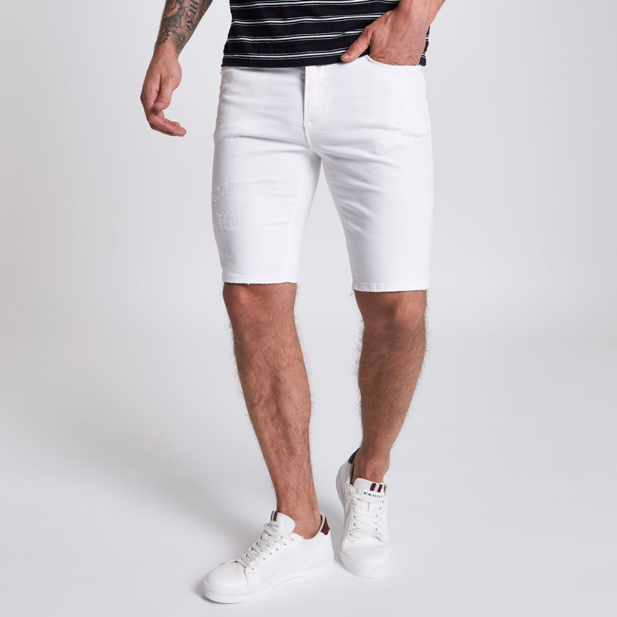 Abercrombie & Fitch Men's Shorts have a preppy, collegiate look. From rugged athletic Shorts to classic fit and shorter preppy fit Shorts.
