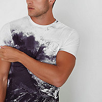 White winter landscape muscle fit T-shirt