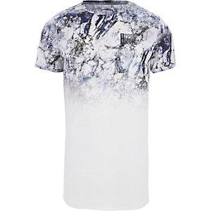 Wit aansluitend T-shirt met vervaagde marmerprint