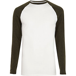 Wit en kaki T-shirt met lange raglanmouwen