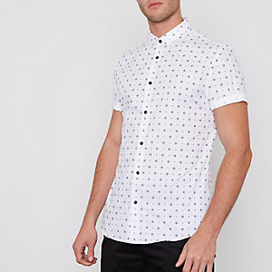 White tile print short sleeve slim fit shirt