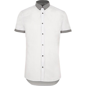 White ditsy collar short sleeve slim shirt