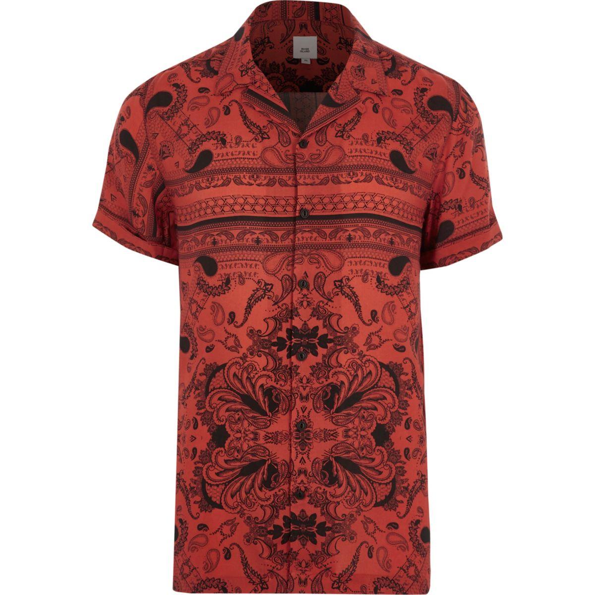 Red bandana print revere short sleeve shirt