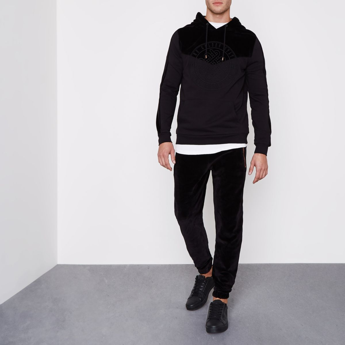 Schwarze Jogginghose aus Samt