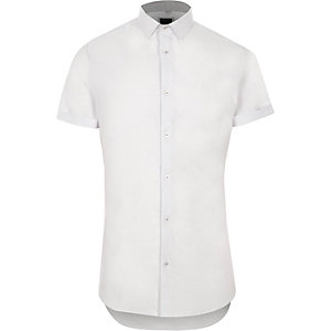 White textured skinny fit short sleeve shirt
