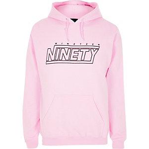 Sweat à capuche rose à imprimé «nineteen ninety»