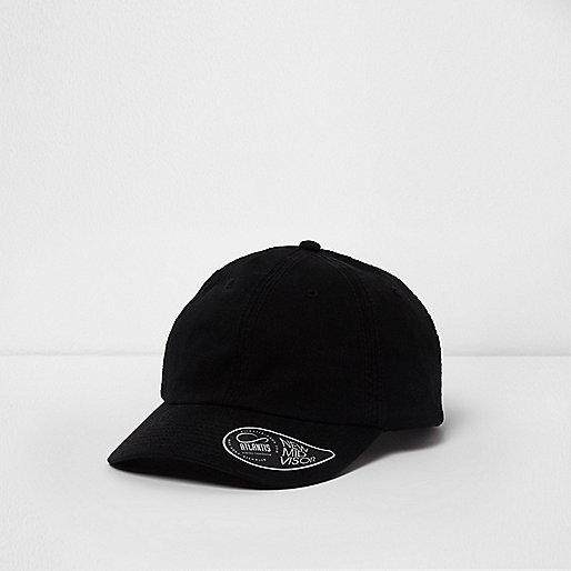 Black baseball cap