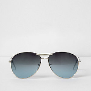 Silver tone aviator sunglasses