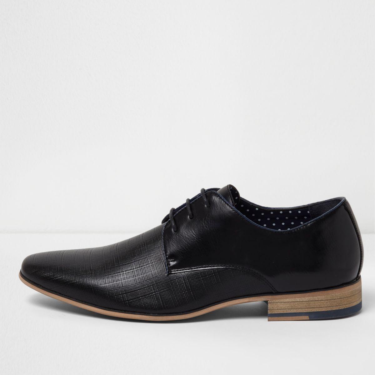 Schwarze, formelle Schnürschuhe