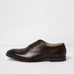 Donkerbruine brogues met veters
