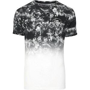Grijs rokerig aansluitend T-shirt met vervagende print