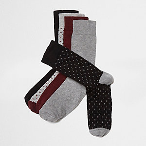 Socken in Bordeaux, Set