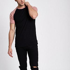 T-shirt slim noir à manches raglan contrastantes