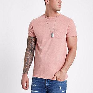 Roze gemêleerd T-shirt met opgerolde mouwen en ronde hals