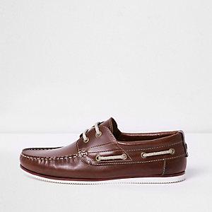 Chaussures bateau en cuir bordeaux à lacets en corde