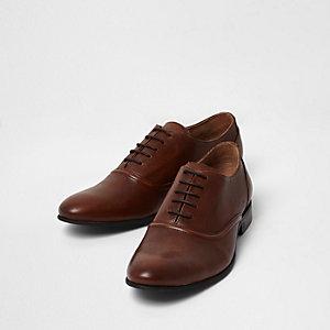 Chaussures Oxford en cuir fauve à lacets
