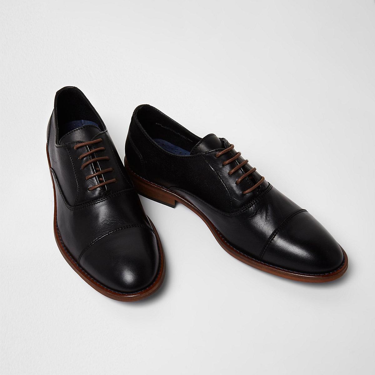 Black leather toecap lace-up oxford shoes