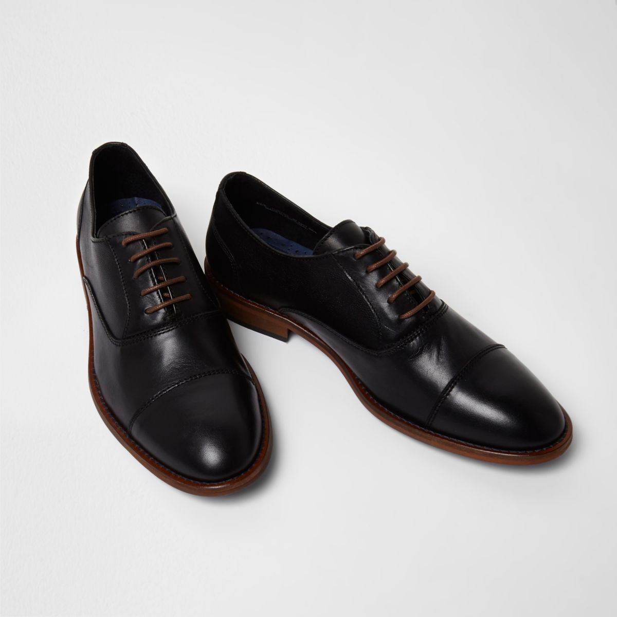 Black leather toecap lace-up oxford shoes