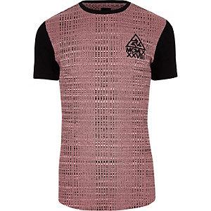 Roze geribbeld aansluitend lang T-shirt met kleurvlakken