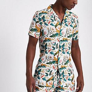 Groen overhemd met revers, jungleprint en korte mouwen