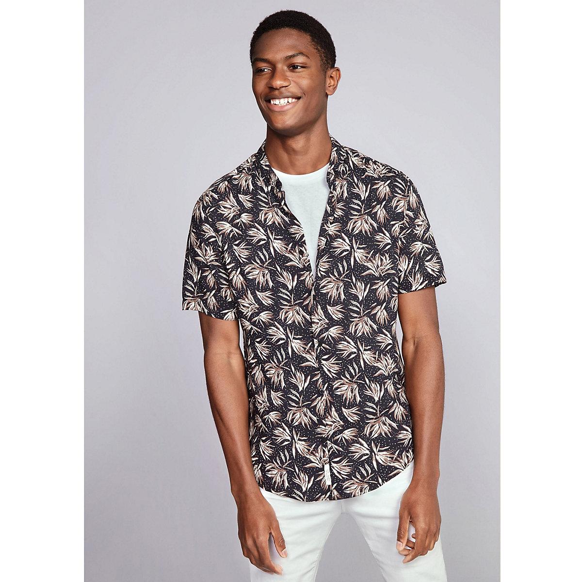 Black leaf print slim fit short sleeve shirt
