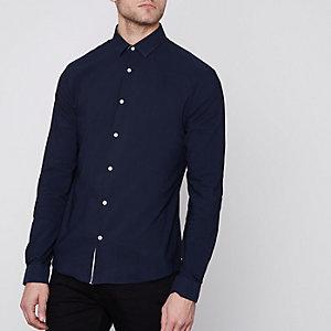 Marineblauw aansluitend overhemd met lange mouwen
