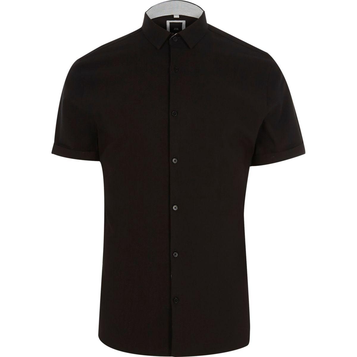 Chemise ajustée noire habillée à manches courtes