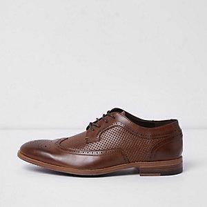 Chaussures Richelieu fauves perforées