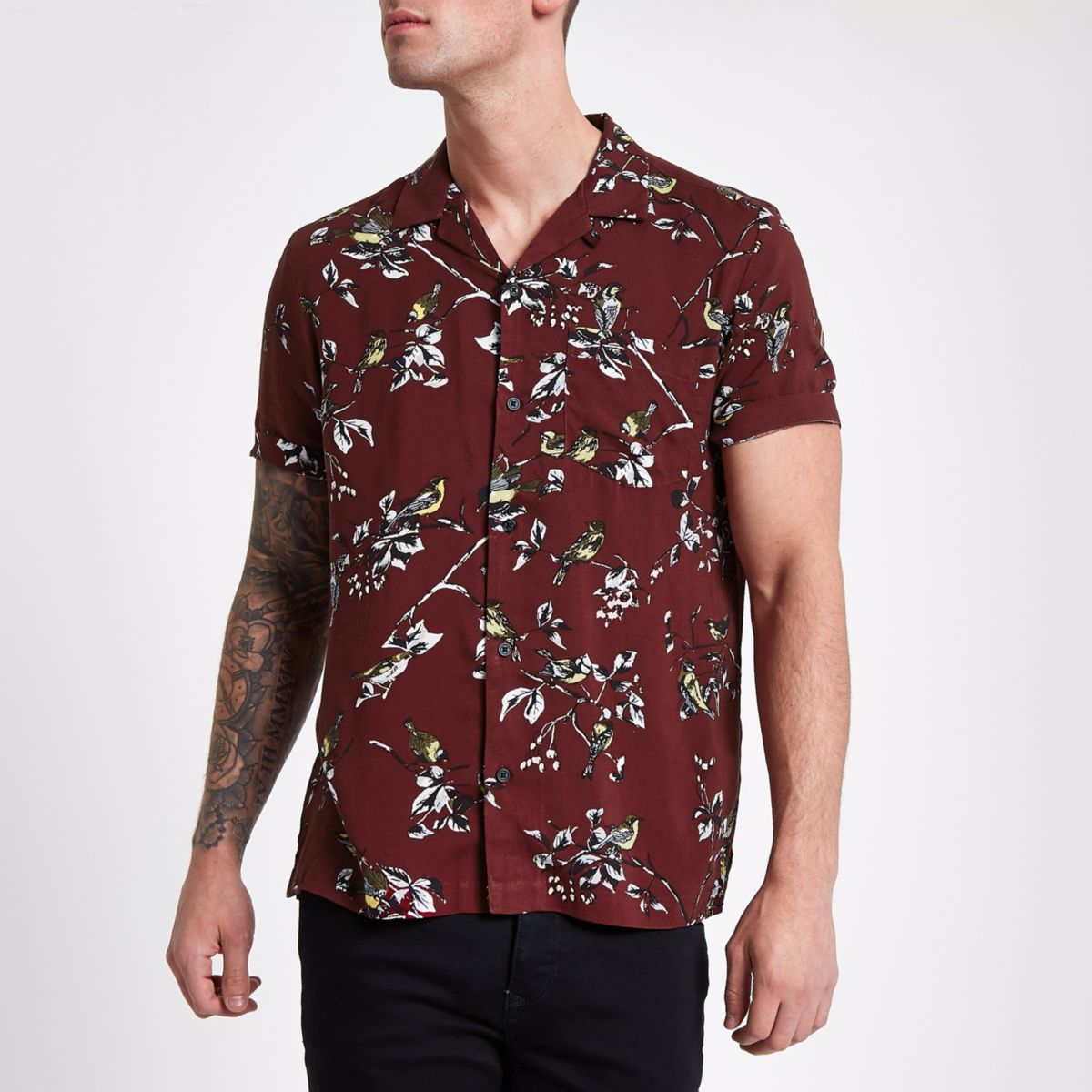 Dark red floral print short sleeve shirt
