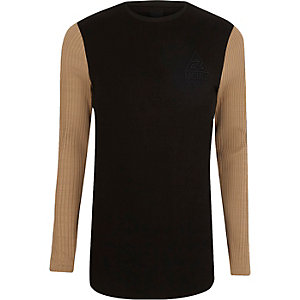 Top ajusté effet colour block marron à manches en maille côtelée épaisse