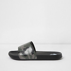 Black camo print sliders