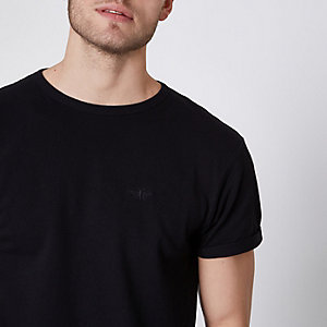 Black pique crew neck muscle fit T-shirt