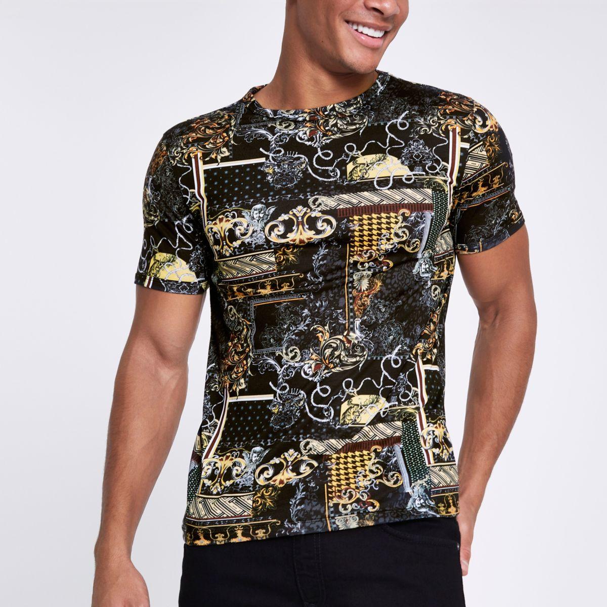 Zwart aansluitend T-shirt met barokke print