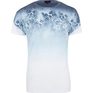 White snowflake skull fade print T-shirt
