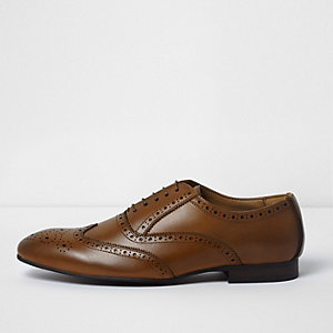 Tan brown lace-up oxford brogues
