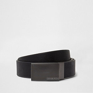 Black plate buckle belt