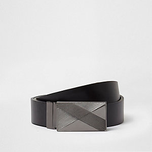 Black embossed plate buckle belt