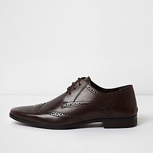 Chaussures Richelieu marron pointues en cuir